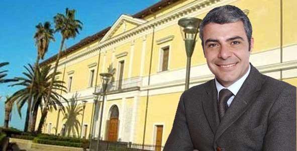 Gaetano Frulio è il nuovo presidente del consiglio comunale. Maggioranza spaccata