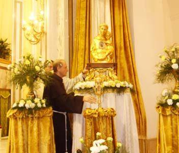 Accolte con gioia dai fedeli la Reliquia e il Busto di S. Antonio da Padova