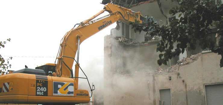 """Abusivismo edilizio, M5S: """"pene alte solo per chi commette abusi con rischio 'molto elevato'"""""""