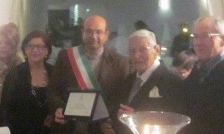 Targa-ricordo per i cento anni di nonno Donato