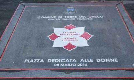 Piazza Luigi Palomba dedicata alle donne