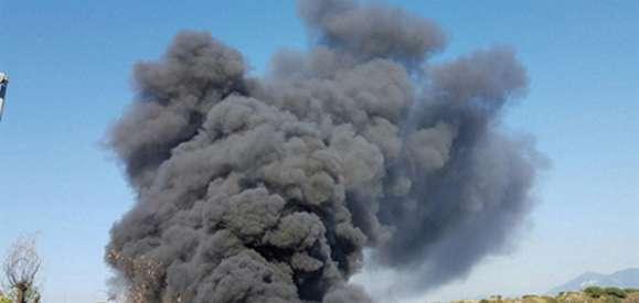 Incendio nel deposito, tremila veicoli distrutti