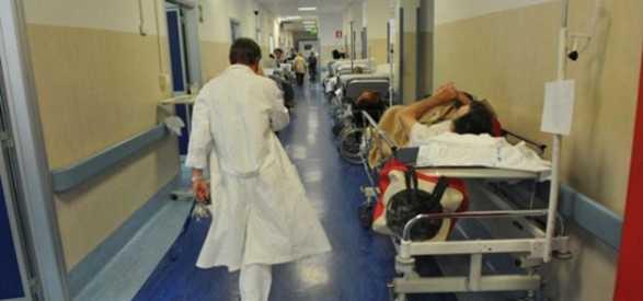 Licenziati 4 medici dall'Asl Napoli 2 nord