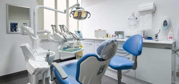 Sequestrato studio dentistico abusivo: praticava tariffe basse