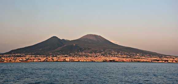 Scoperto scavo abusivo sul Vesuvio