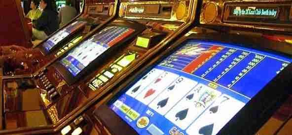 Torre del Greco, rapinata una sala slot: bottino da 10mila euro
