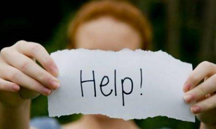 Depressione, donna prova a suicidarsi: salvata