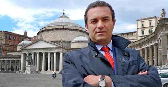 """Il Sindaco di Napoli Luigi de Magistris presenta """"Wolves Coming"""""""