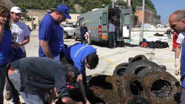 Nisida, pulizia dei fondali marini