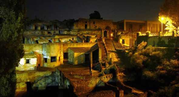 Proseguono i percorsi serali sensoriali alla scoperta dell'antica città di Ercolano