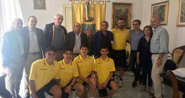 Basket. Il sindaco Pannullo incontra i ragazzi della NPS