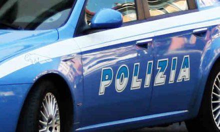 Napoli, palpeggia una 15enne: arrestato 50enne