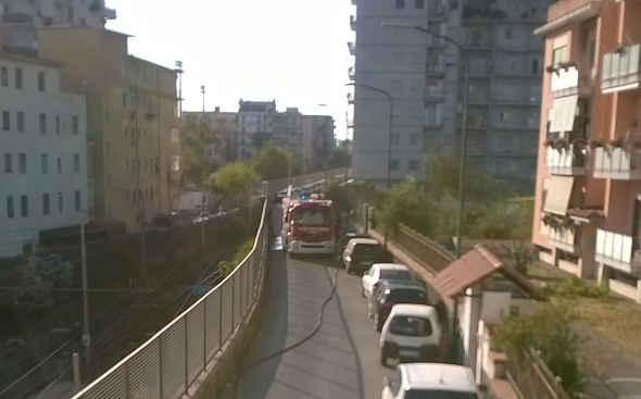Terrore in Viale Francesco Balzano per un incendio