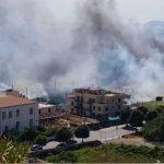 Torre del Greco, incendio viale del Commercio