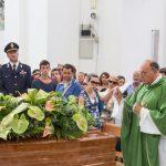 Commozione e rabbia ai funerali di Maria Archetta Mennella