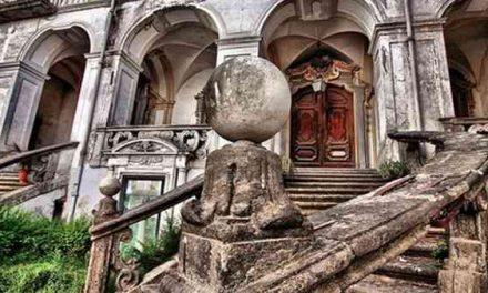 La Clausura nel Cuore di Napoli: Monastero delle Trentatrè