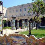 Appuntamenti di Ferragosto: Sant'Anna dei Lombardi e la cripta degli Abati, Monastero di Santa Chiara, Scendendo il Petraio