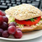 Mangiare fuori casa: consigli pratici da seguire per mantenere la linea