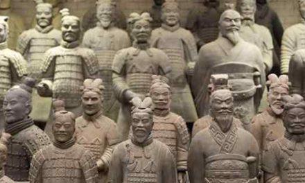 Distrutta statua Esercito di Terracotta ad Ercolano: la rabbia del sindaco