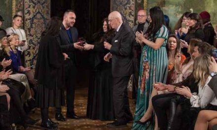 """Ferdinand, lo stilista d'alta moda torrese incanta il cavalier Boselli: primo premio """"couture"""" al Mad Mood di Milano"""