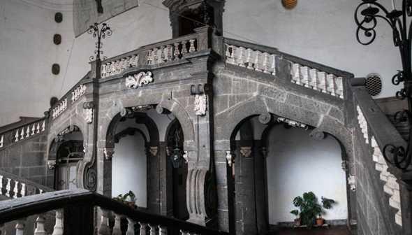 Eleonora a Palazzo Serra di Cassano