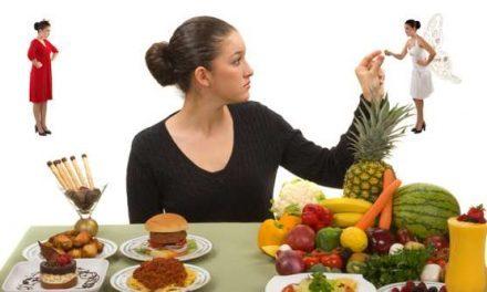 4 abitudini alimentari sbagliate che non fanno dimagrire