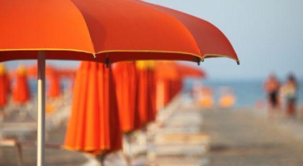 """De Luca: """"le spiagge della Campania siano accessibili senza più barriere"""""""