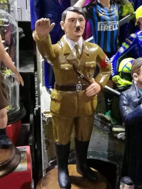 Spunta Hitler tra i pastori dei presepi a San Gregorio Armeno
