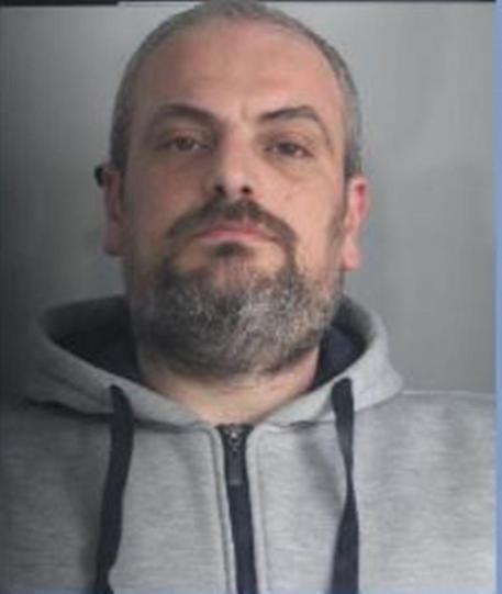 Ha dato fuoco alla ex moglie: arrestato