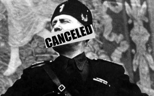 Revocata la cittadinanza a Mussolini