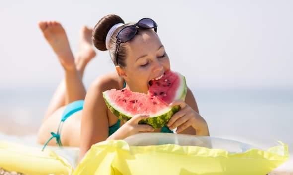 Dieta per un'abbronzatura perfetta: falso mito o realtà?