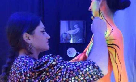 """Arte a Palazzo, una modella diventa un """"cammeo umano"""" grazie a Veronica Bottigliero 🗓"""