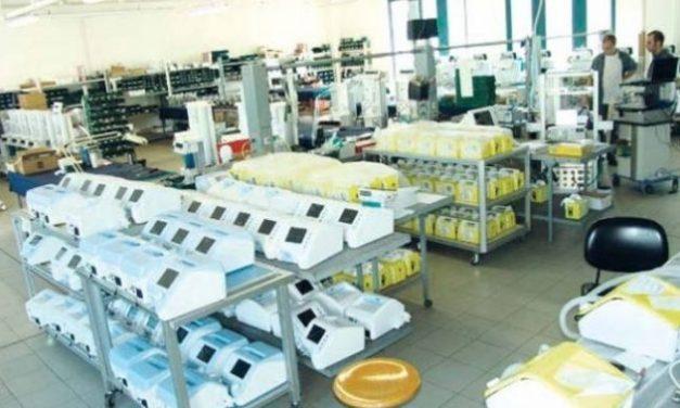 Coronavirus, 5 tecnici in servizio presso lo stabilimento Spolettificio Esercito di Torre Annunziata per la produzione di ventilatori polmonari