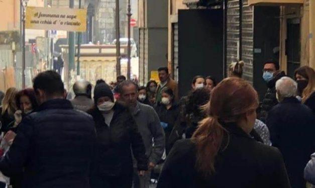 Coronavirus: Portici, il sindaco Cuomo chiude il mercato e fa ramanzina alla cittadinanza