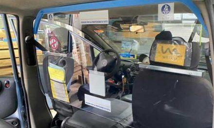 Come a New York, barriere nei taxi di Napoli per separare autisti e clienti