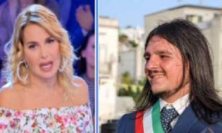 """Il sindaco di Bacoli nega intervista a Barbara d'Urso: """"Voleva denigrare il Sud"""""""