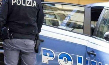 Interrotta una festa abusiva in piazza Mercato: sanzionata una cantante neomelodica