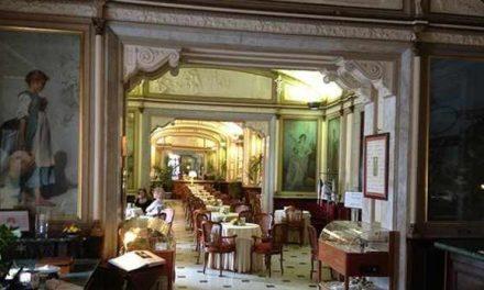 Napoli. Compie 160 anni il Gran Caffè Gambrinus