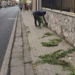 Torre del Greco. Rifiuti ovunque e città sporca: a pulire sono gli immigrati. La denuncia dei cittadini