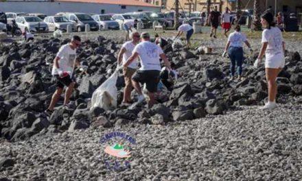 """Ottima riuscita per l'evento """"Cambiamola Noi – Giù alla Scala"""": raccolti oltre 300 kg di rifiuti"""
