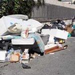 Torre del Greco, città sporca: Palomba inadeguato a gestire la crisi