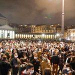 Coronavirus Napoli, continuano le proteste contro De Luca, in migliaia in Piazza