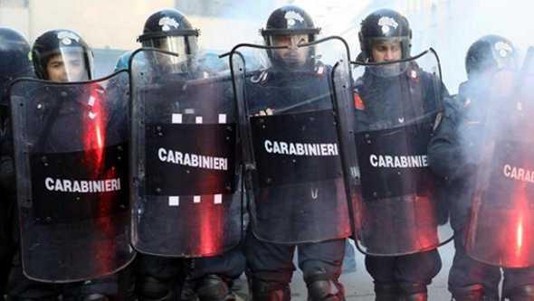 Nuove tensioni a Napoli, scontri con Cobas e centri sociali