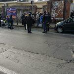 Manifestanti al Bottazzi per lettere di recupero ticket, interviene la polizia