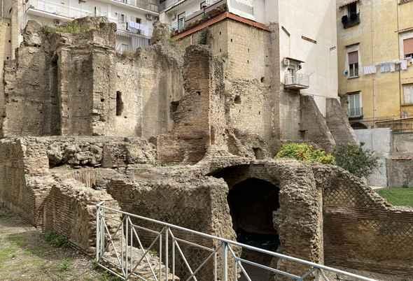 Napoli, riapre l'area archeologica di Forcella con l'ArcheoTour 🗓