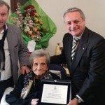 Compie 100 anni la signora del caffè