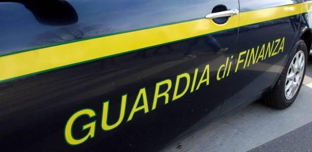 Chiede 2.000 euro per sanare irregolarità: arrestato dirigente dell'Asl Napoli 3