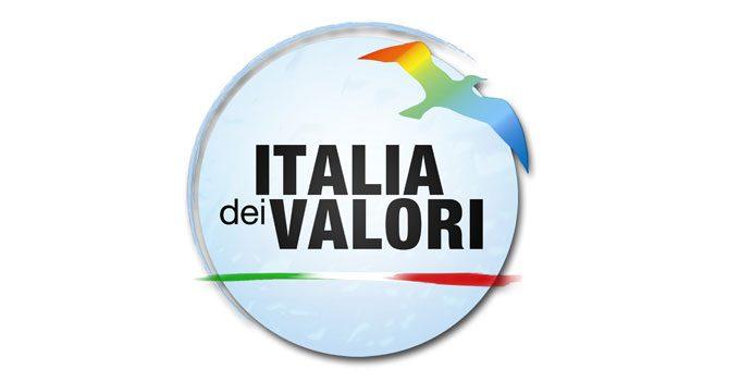 L'IDV scarica Malinconico