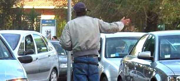 Napoli, lotta ai parcheggiatori abusivi: 47 denunciati