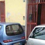 """Parcheggiatori abusivi vicino casa del Sindaco"""